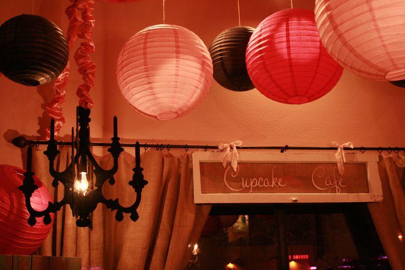 1 cupcake window